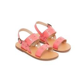 粉色愛心涼鞋