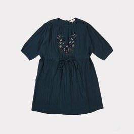Phoebe小花刺繡七分袖洋裝(版型偏大)
